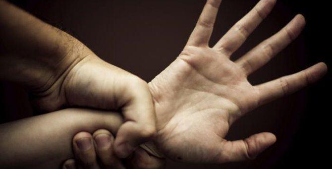 Modena. Aveva stuprato e messo Incinta la figlia di 13 anni, condannato a 5 anni.