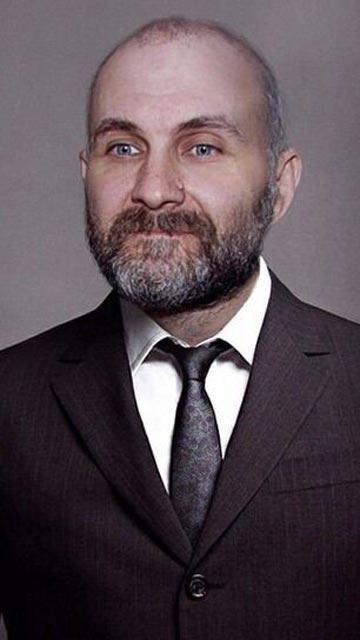 Anatoly Moskvin La storia di un accademico che amava creare bambole umane.